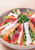 Salade mélangée de sashimi Photographie stock