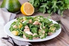 Salade met arugula en ei Royalty-vrije Stock Foto's