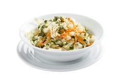 Salade met bloemkool en wortelen stock foto's