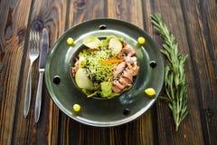 Salade met gans en verse peer royalty-vrije stock foto