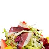 Salade met gerookte eendborst Stock Afbeeldingen