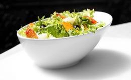 Salade met greens en groenten Stock Fotografie
