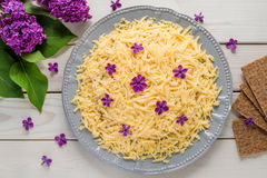 Salade met kaas en bloemen Stock Foto