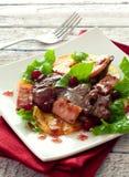 Salade met kippenlevers royalty-vrije stock afbeelding