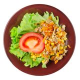 Salade met kippenmagen met wortelen en graan en salade op a Stock Afbeelding
