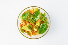 Salade met selderie, Apple en kersentomaten op een witte achtergrond Royalty-vrije Stock Foto's