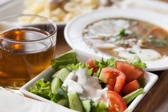 Salade met soep Royalty-vrije Stock Foto's