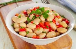 Salade met witte bonen Stock Afbeeldingen