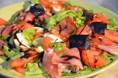 Salade met zalm Stock Afbeelding