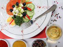 Salade mixte décorée Photographie stock