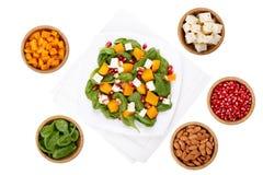 Salade mixte et ingrédients photographie stock libre de droits
