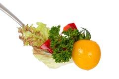 Salade op vork Stock Fotografie