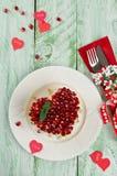 Salade posée des légumes sur la table de vacances Jour du mariage Photos libres de droits