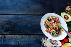 Salade saine de quinoa Photographie stock libre de droits