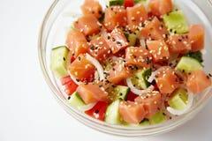Salade saumonée fraîche image stock