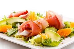 Salade saumonée fumée Photographie stock libre de droits
