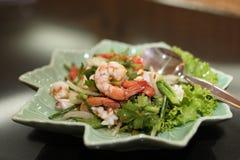 Salade thaïe de préparation de fruits de mer de nourriture Images stock