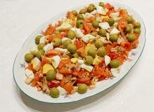 Salade, tomaat, ei, tonijn Stock Fotografie