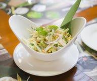 Salade végétale avec de la sauce à mayonnaise Images stock