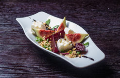Salade végétale avec des figues Images libres de droits