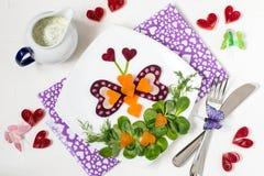 Salade végétale créative pour le jour de valentines Images stock