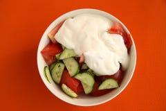 Salade végétale des concombres et des tomates Photo libre de droits