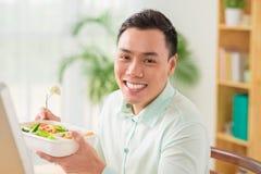 Salade végétale pour le déjeuner Photos stock