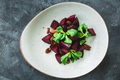 Salade végétarienne faite en betterave Vue de plan rapproché Nourriture normale Image libre de droits