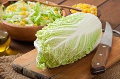 Salade van Chinese kool Stock Afbeeldingen