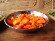 Salade van de de zomer de vegetarische papaja Stock Foto's