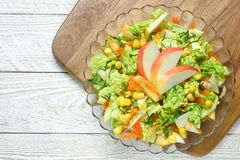 Salade van groenten en appelen royalty-vrije stock foto