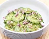 Salade van komkommer Stock Afbeeldingen