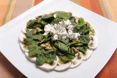 Salade van Spinazie, Spinazierijken in vitaminen en mineralen stock afbeelding