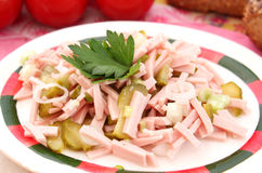 Salade van worst stock foto's