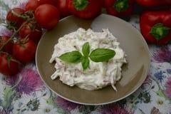 Salade van worst en komkommer Royalty-vrije Stock Foto's