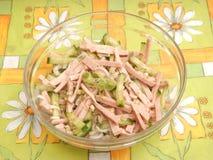 Salade van worst en komkommer Stock Foto