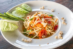 Salade verte de papaye et x28 ; Ventre Thai& x29 de som ; Images stock
