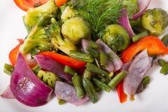 Salade verte mélangée de légumes Photo stock