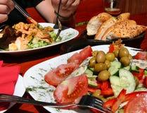 Salade voor lunch Royalty-vrije Stock Foto's
