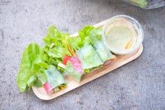 Saladebroodje een gezonde calorie van het voedseldieet royalty-vrije stock foto's
