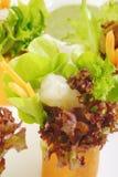 Saladebroodje met garnalen Stock Fotografie