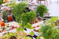 Salades au restaurant cinq étoiles d'hôtel du complexe d'hôtel de Kranevo en Bulgarie Images stock