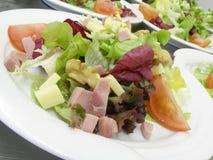 Salades met ham Royalty-vrije Stock Foto's