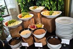 Salades, vruchten en groenten. Stock Afbeelding