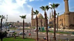 Salah el kwadrat z sułtanu Hassan i al ` ja meczety na tle, Kair zdjęcie wideo