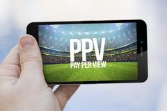 salaire par téléphone portable de vue Photographie stock libre de droits