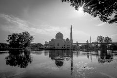 Salam清真寺在蒲种Perdana,马来西亚 免版税库存照片