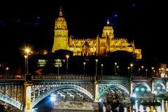 Salamanca katedry ujawnienia nocy Długi strzał fotografia royalty free