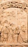 SALAMANCA SPANIEN, 2016: De tre vise männenlättnad på gotisk-barock den västra portalen av den nya domkyrkan - Catedral Nueva Arkivbild