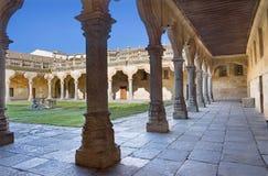SALAMANCA, SPANJE, 2016: Het atrium van barok terras van Escuelas Menores - Universiteit van Salamanca Stock Foto's